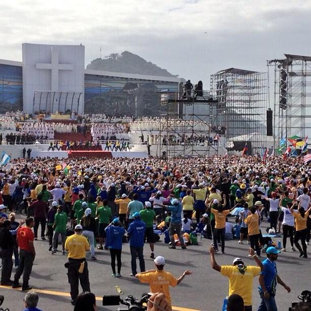 flash-mob-copacabana