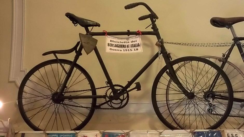 Bicicleta de los soldados italianos de la Primera Guerra Mundial. (Crédito: Ander Izagirre)