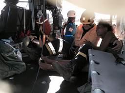 Rescatistas de la Cruz Roja y de la Fuerza Aérea de Colombia se internaron en las selvas de Chocó para buscar a los tres pasajeros del avión que se estrelló el 20 de junio. (Crédito: Cortesía FAC)