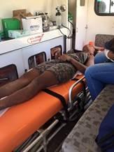 María Nelly Murillo recibió primeros auxilios de los cuerpos de rescate en plena selva colombiana. La mujer logró sobrevivir a punta de agua y cocos de la selva. (Crédito: Cortesía FAC)