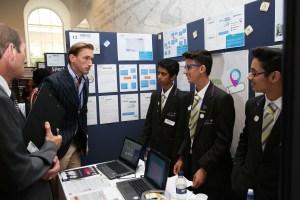 Los tres jóvenes que inventaron los preservativos. Foto: TeenTech Awards