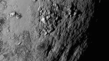Una de las nuevas imágenes de Plutón captadas por la sonda New Horizons. Crédito: NASA