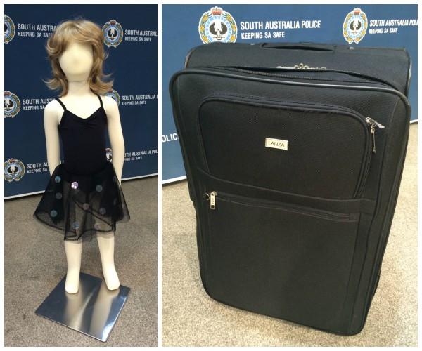 La policía de Australia Meridional muestra un vestido y maleta parecidos a los que fueron encontrados cerca del cuerpo no identificado de la niña.