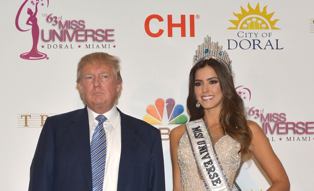 Donald Trump y la Miss Universo Paulina Vega (Crédito: Rodrigo Varela/Getty Images)