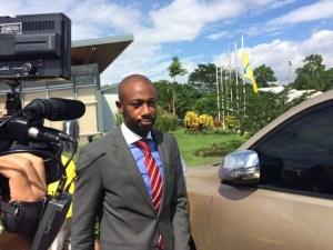 Así se vio a Paulo Wanchope a la salida de la rueda de prensa. Foto: Djenane Villanueva