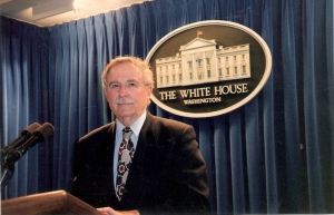 Jacobo Goldstein en la Sala de Prensa de la Casa Blanca. (Cortesía de Jacobo Goldstein)