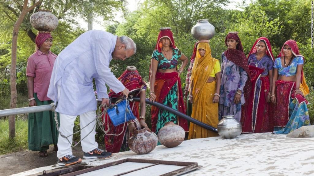 El sistema de Bhagwati Agrawal proporciona agua potable para más de 10.000 personas. (Crédito: Harsha Vadlamani/Getty Images for CNN)