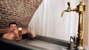 Chodova (Chodova Plana, República Checa) – En este spa de cerveza en la República Checa, los visitantes pueden probar la cerveza local mientras disfrutan de un cálido baño de cerveza, el cual se dice, tiene muchos beneficios para la salud.