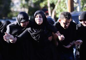 La esposa de Adel Termos, uno de los 44 muertos de las explosiones que se atribuyó ISIS en Beirut la semana pasada. (Crédito: MAHMOUD ZAYYAT/AFP/Getty Images)