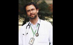 Doctor Carlos Araujo, Clínica Universitaria Bolivariana, en Medellín, Colombia. (Crédito UPB)