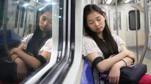 Las siestas no deben durar mucho porque podrían interrumpir la rutina de sueño en la noche.