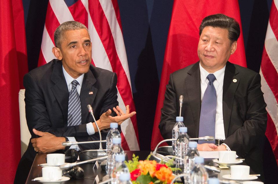 Los presidentes Barack Obama y Xi Jinping durante la Cumbre del Clima en París. (Crédito: GettyImages)