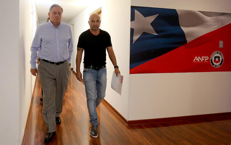 Jorge Sampaoli y el presidente de la ANFP, Arturo Salah (Crédito: CARLOS PARRA / COMUNICACIONES ANFP)