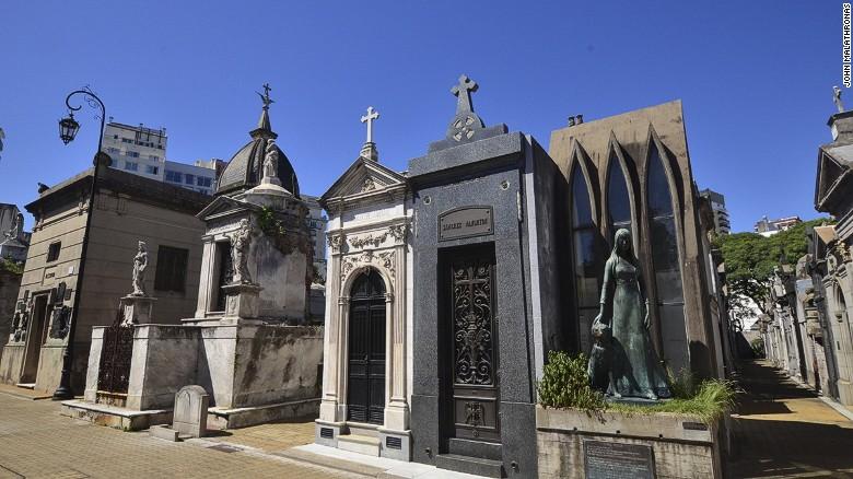Cementerio-Recoleta-Buenos-Aires-CNN