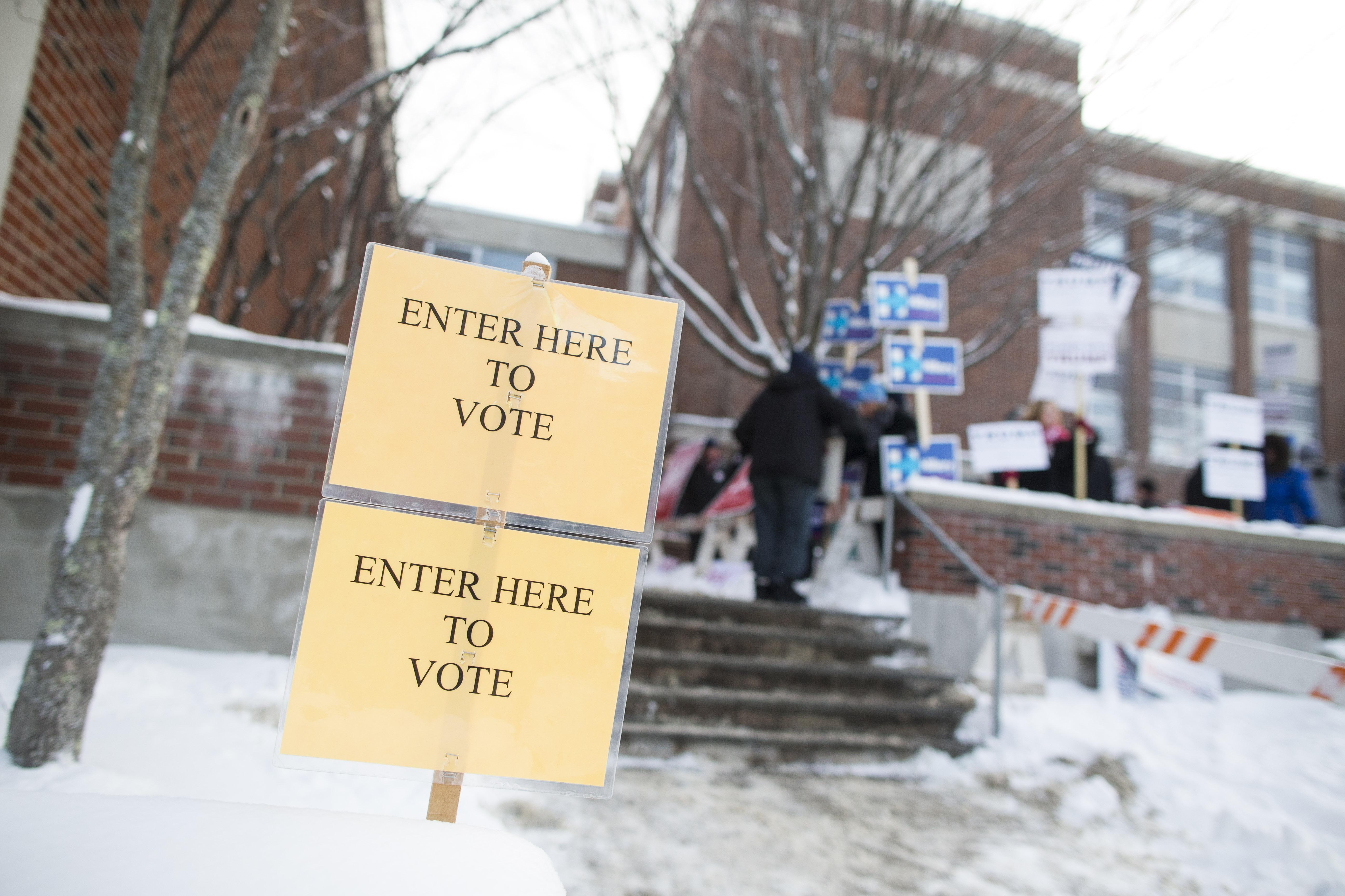 Los puestos de votación se abrieron muy temprano este martes en Nueva Hampshire. (Crédito: Scott Eisen/Getty Images)