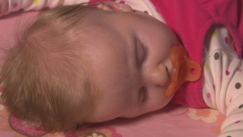A los bebés que se les dejó llorar hasta dormirse, conciliaron el sueño casi 15 minutos más rápido.