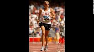 Ryan Hall compitiendo durante el día 16 de los Olímpicos de Beijing en 2008.