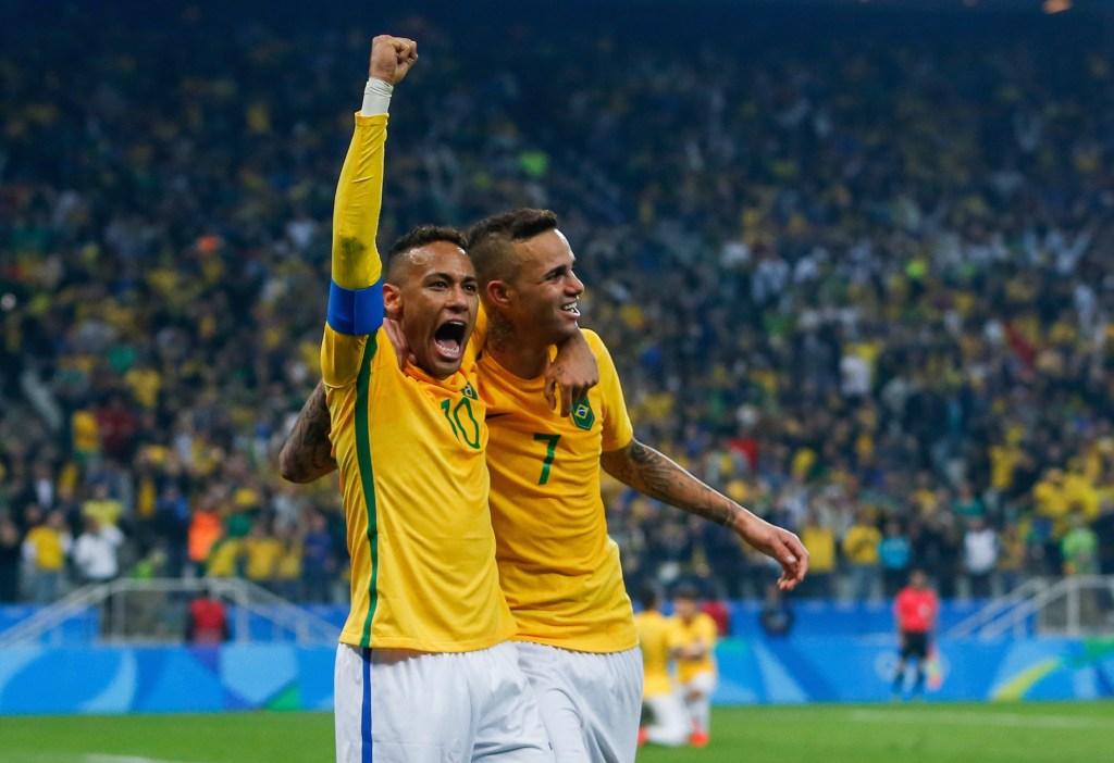 Neymar celebran el gol con el que eliminan a Colombia y aseguran sus pasos a Semifinales en Río 2016. (Crédito: Alexandre Schneider/Getty Images)