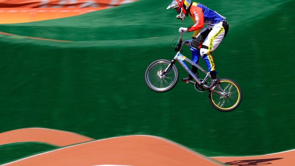 ¡Bronce para Venezuela en BMX! Stefany Hernández queda tercera en Río cnn.it/2b6xB5v #CNNRío