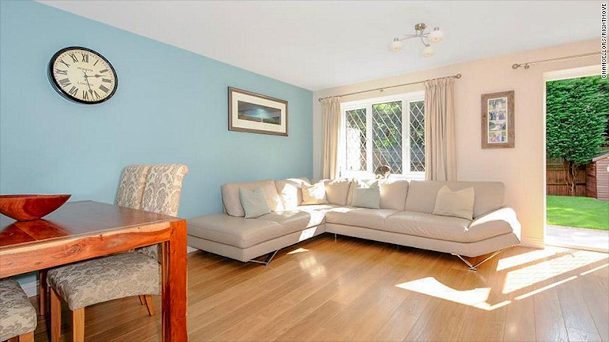 harry-potter-house-living-room-cnn