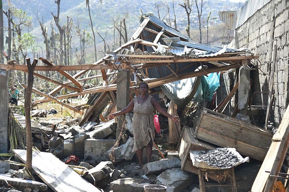 Una mujer que lo perdió todo por el impacto de Matthew en Jeremie, Haití. (Crédito: HECTOR RETAMAL/AFP/Getty Images).