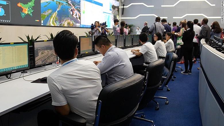 El centro de mando de Yinchaun supervisa los datos de los ciudadanos.