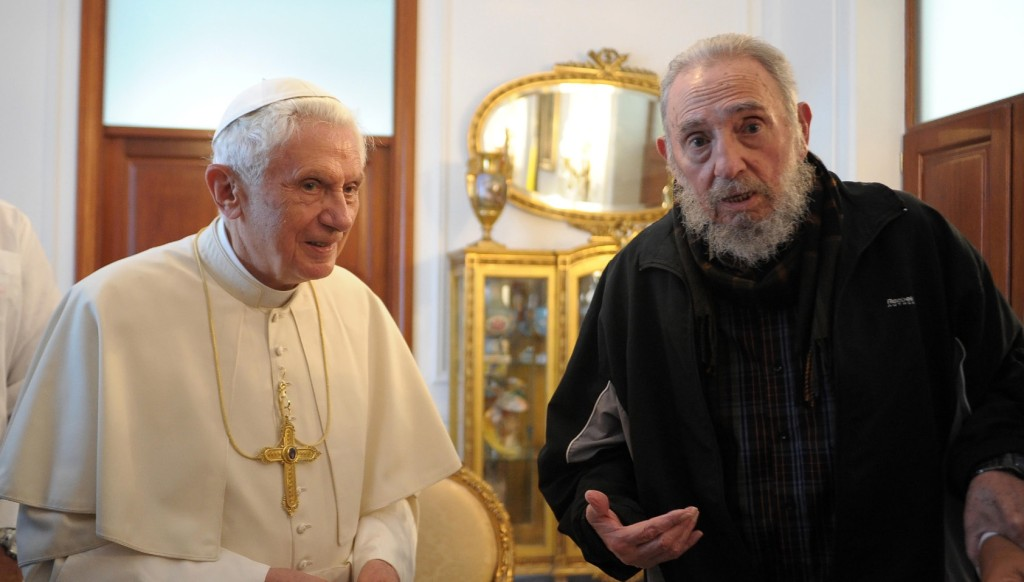 29 de marzo de 2012   Fidel Castro junto al entonces papa, Benedicto XVI, durante su visita oficial a Cuba. (Crédito: L'Osservatore Romano Vatican-Pool/Getty Images)