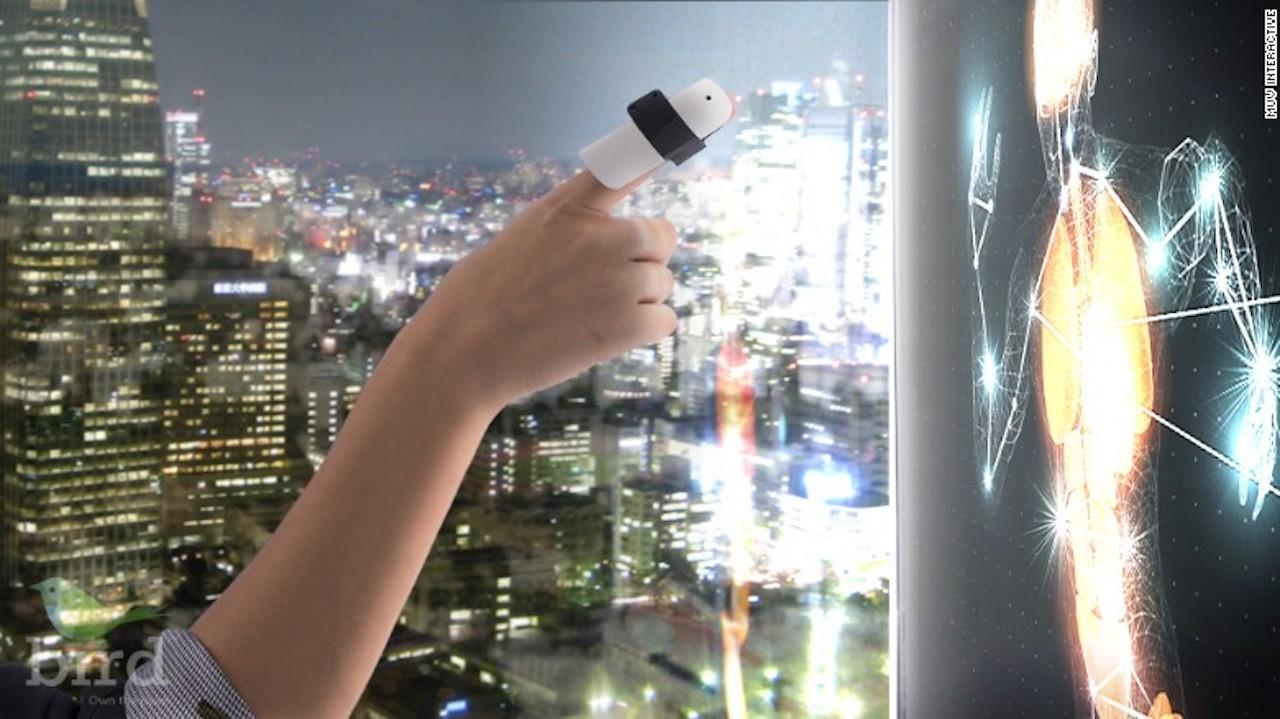El dispositivo BIRD convierte cualquier superficie en una pantalla. Tiene un costo de 499 dólares.