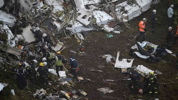 The wreckage of the LAMIA airlines charter plane carrying members of the Chapecoense Real football team is seen after it crashed in the mountains of Cerro Gordo, municipality of La Union, on November 29, 2016. A charter plane carrying the Brazilian football team crashed in the mountains in Colombia late Monday, killing as many as 75 people, officials said. / AFP / Raul ARBOLEDA (Photo credit should read RAUL ARBOLEDA/AFP/Getty Images)
