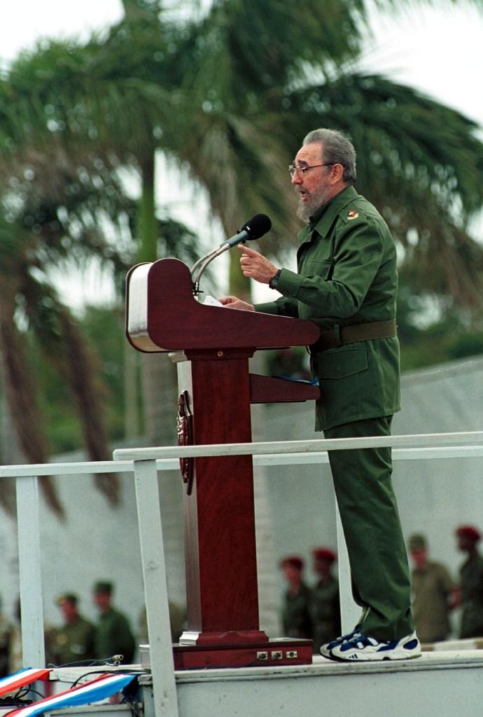 1 de mayo de 2001   Fidel Castro durante un discurso del Día del Trabajo en La Habana. (Crédito: Jorge Rey/Newsmakers)