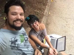 Yimit Ramírez y Marta María Ramírez cuando hablaban con CNN en Español desde una de las calles de La Habana. Se consideran familia, aunque no lo sean de sangre.