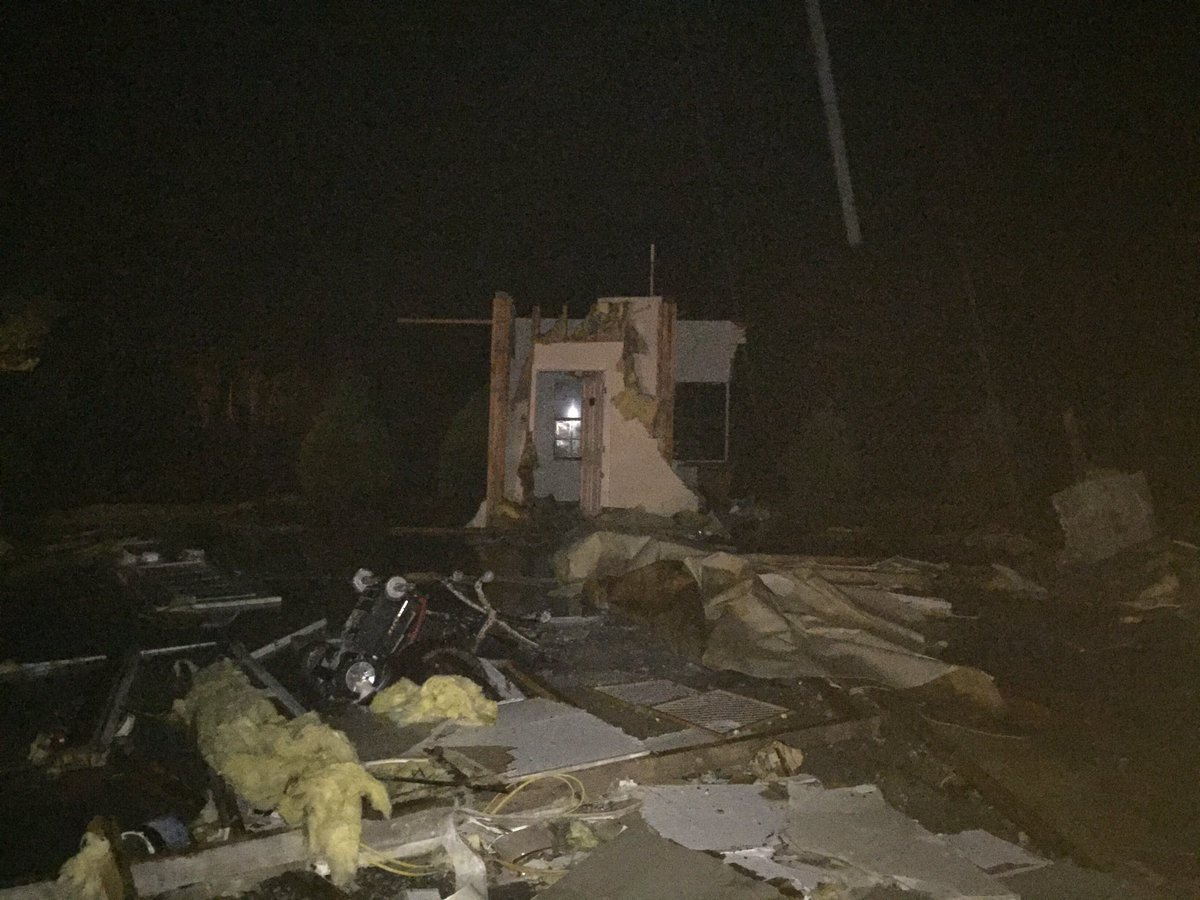 Imagen de la Academia Christian Daycare que fue afectada por las fuertes tormentas en Alabama. (Crédito: Jake Berent/WAFF)