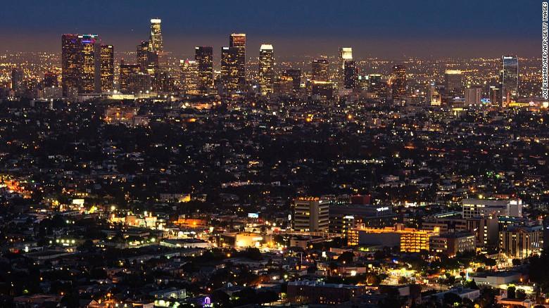 Los viajeros llegarán hacia las 7 de la noche a Los Ángeles, con mucho tiempo para planear la segunda celebración de Año Nuevo.