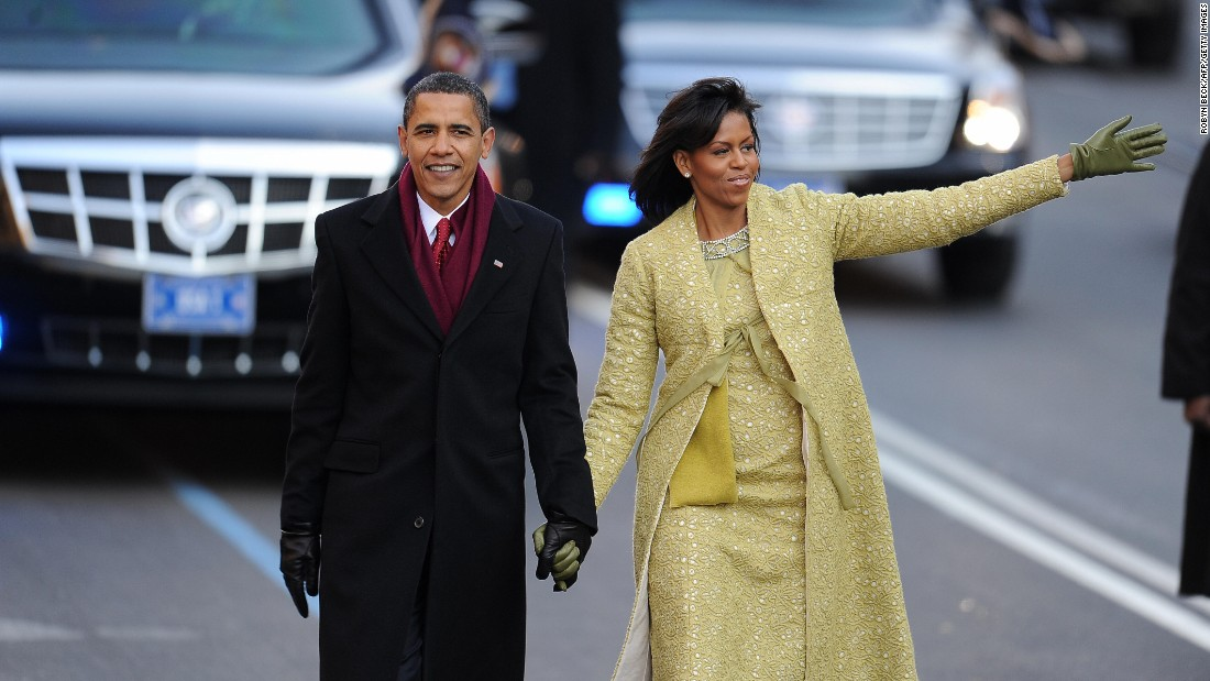 El presidente Barack Obama y la primera dama Michelle Obama durante el desfile de la toma de posesión, en el 2009.