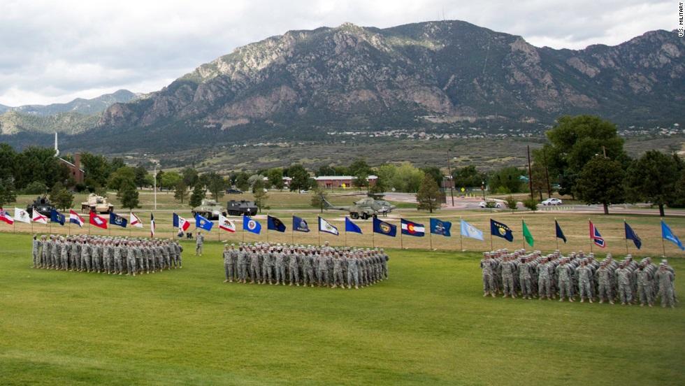 Las tropas en Forth Carson Colorado.