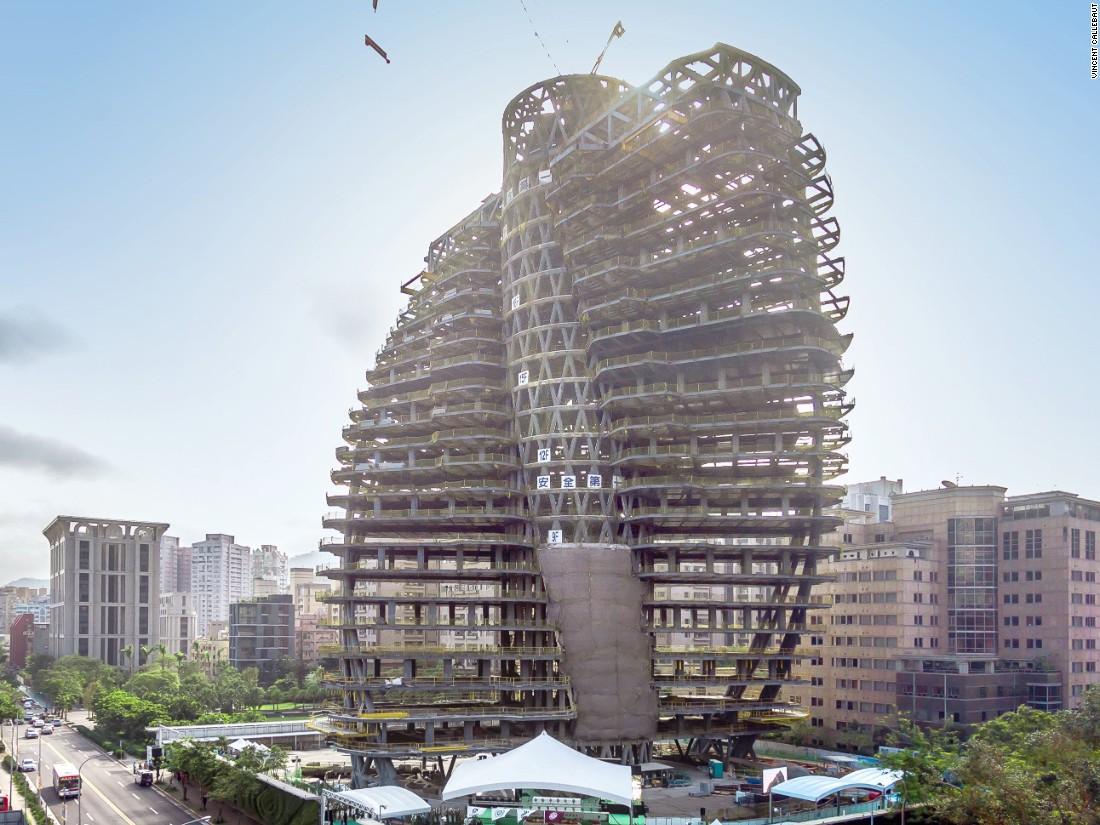 Cuando el proyecto de 'Tao Zhu Yin Yuan' -que significa El retiro de Tao Zhu- esté terminado en septiembre del 2017, el complejo residencial de Taipei habrá plantado 23.000 árboles y arbustos.