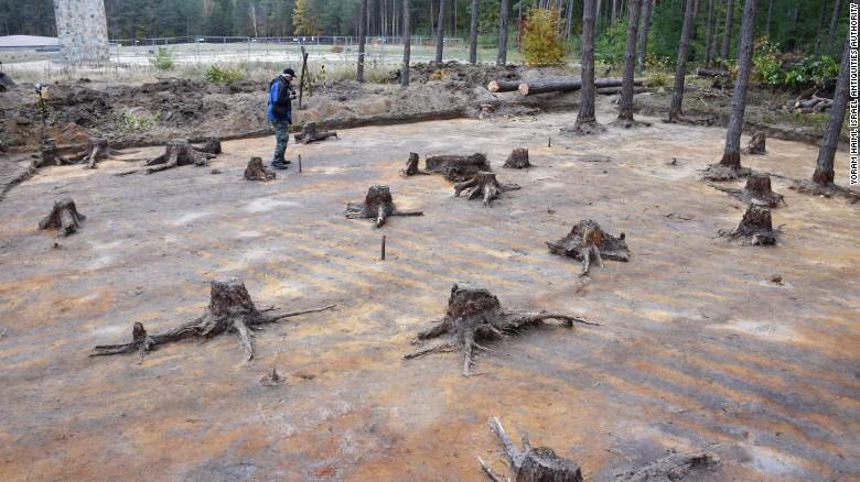 Las excavaciones en Sobibór descubrieron rastros del equipo mecánico que utilizaron los nazis para desmantelar el campamento.