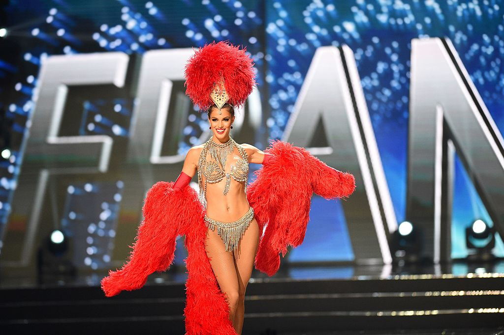 Iris Mittenaere (Crédito: TED ALJIBE/AFP/Getty Images)