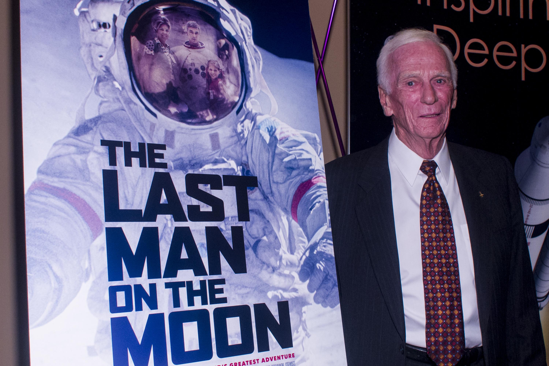 """El exastronauta Gene Cernan asiste al estreno de """"Last Man On The Moon"""" en el teatro Landmark, de Washington DC el 24 de Febrero del 2016 (Crédito: Kris Connor/Getty Images)"""