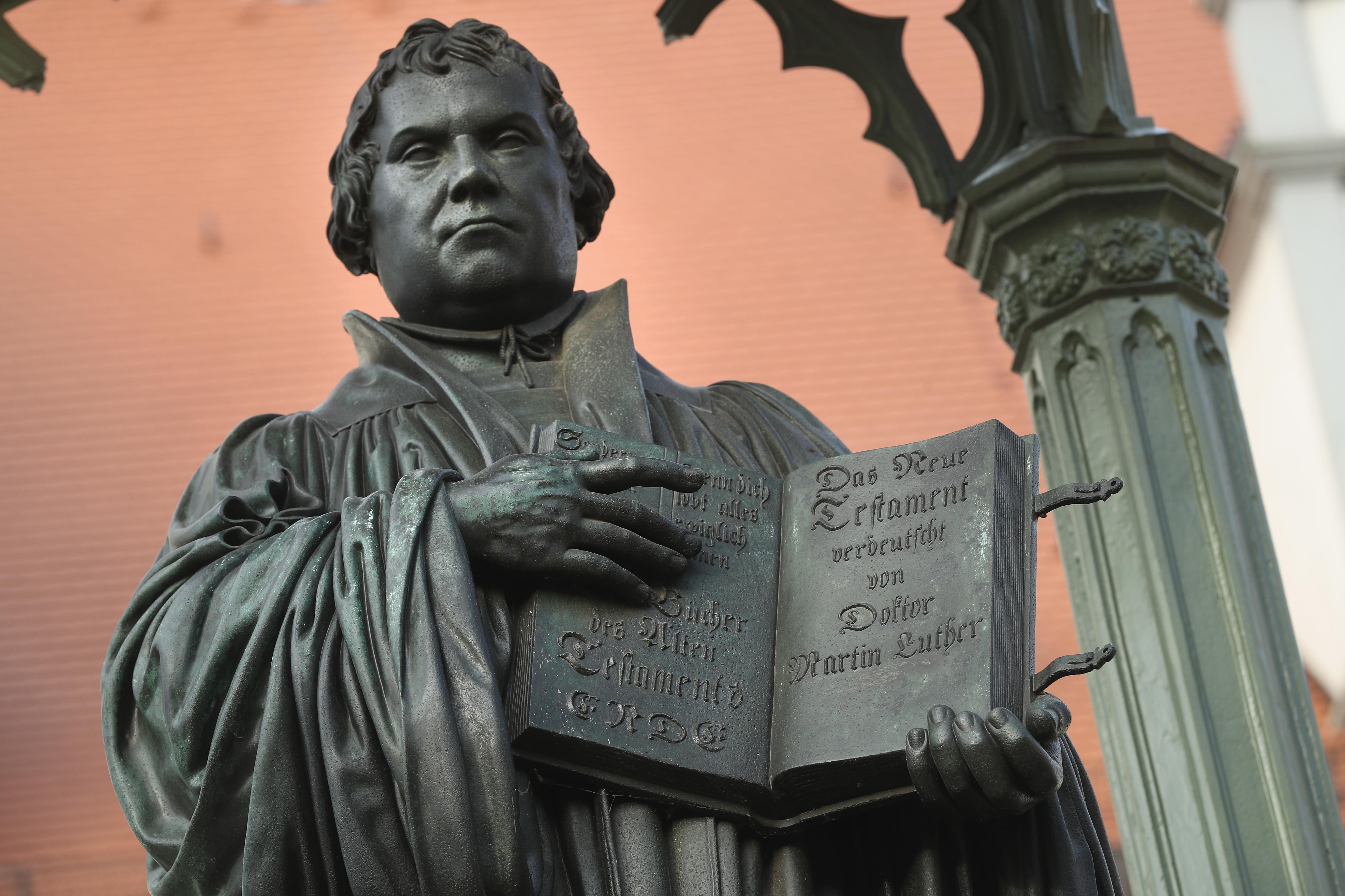Estatua en honor de Martín Lutero en Wittenberg (Alemania). (Crédito: Sean Gallup/Getty Images)