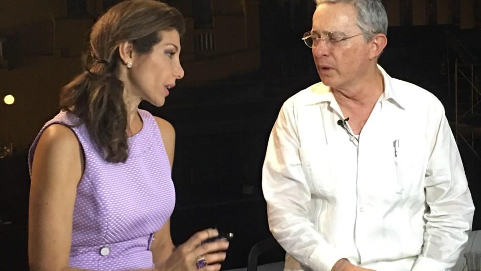 Patricia Janiot con Alvaro Uribe