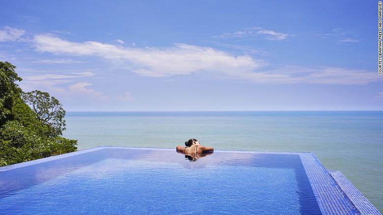 La piscina infinita con vista al océano del hotel Banyan Tree Cabo Marqués, en Acapulco.