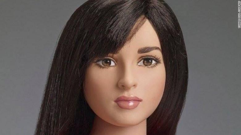 La compañía Tonner Doll, que se especializa en artículos de colección para adultos y muñecas de moda, está lanzando la muñeca Jazz Jennings, inspirada en una adolescente de 16 años que es transgénero.
