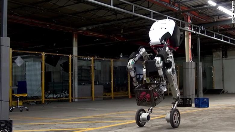 El robot Handle fue creado por la empresa Boston Dynamics, comprada por Google en el 2013.