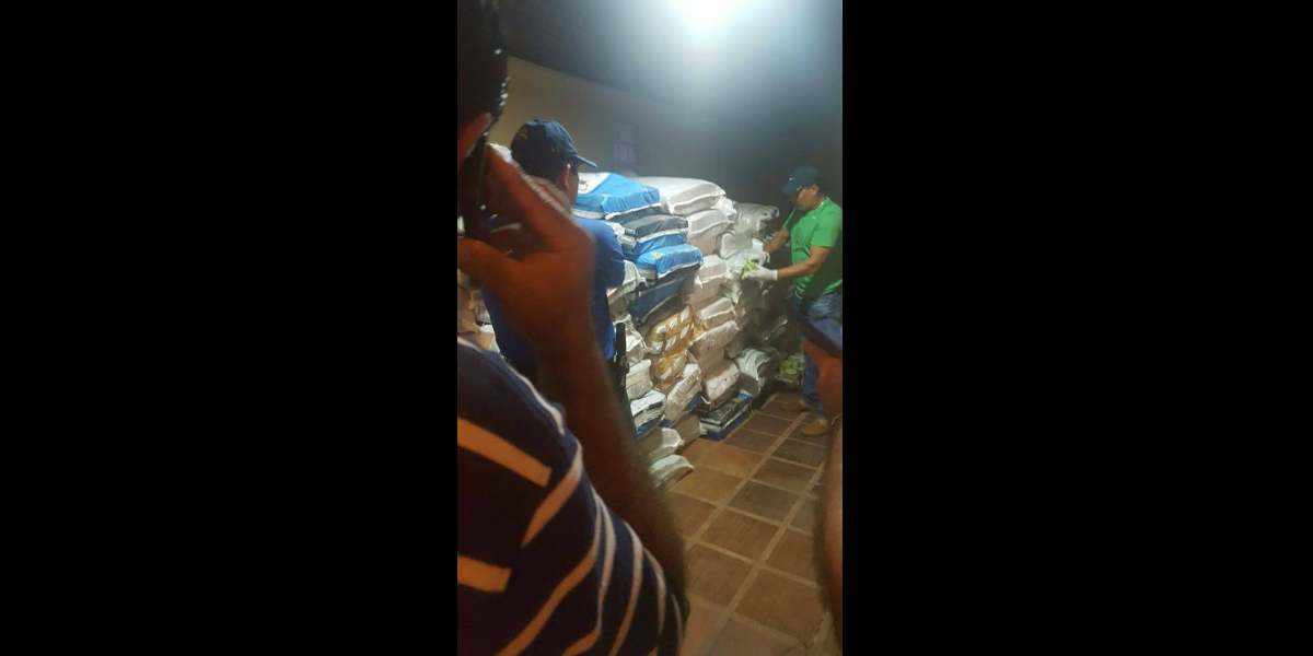 billetes-2-tonelada-encontrados-paraguay-bolivares-venezuela-cnn