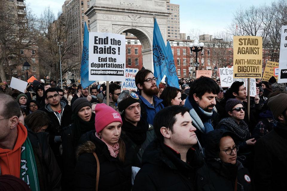Manifestación contra redadas y deportaciones en Nueva York. (Photo by Spencer Platt/Getty Images)