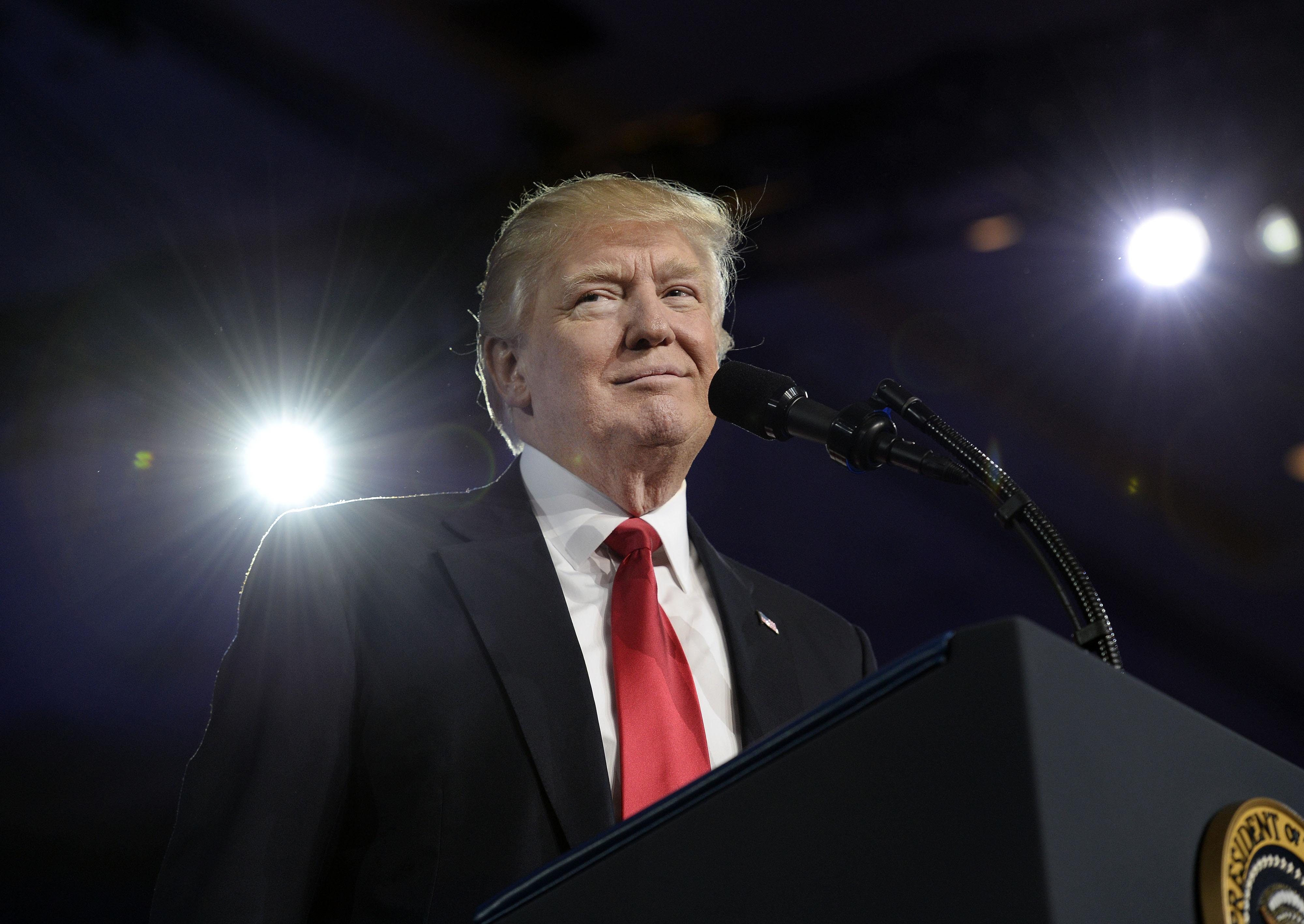 El variable discurso de Trump sobre Relaciones Internacionales pone en problemas a sus funcionarios. (Crédito: Olivier Douliery - Pool/Getty Images)
