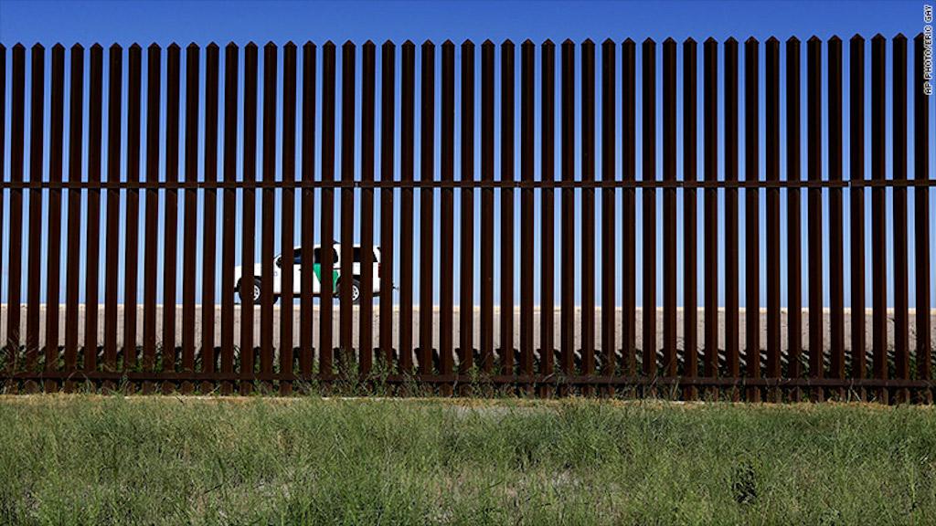 Valla en la frontera de Estados Unidos y México en Brownsville, Texas.