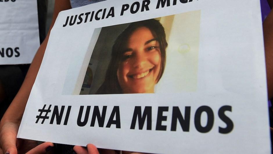 Manifestantes portaron imágenes de Micaela y lemas contra la violencia de género (EFE/José Granata/TELAM