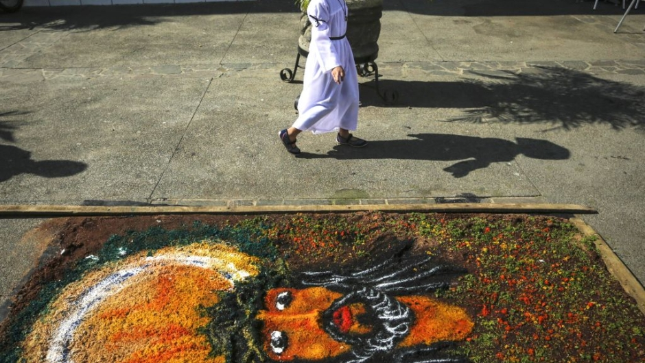 A sawdust carpet which participates in a contest during the celebration of the Holy Week in front of the cathedral in Leon, some 100 km from Managua, on April 10, 2017. / AFP PHOTO / INTI OCON (Photo credit should read INTI OCON/AFP/Getty Images)